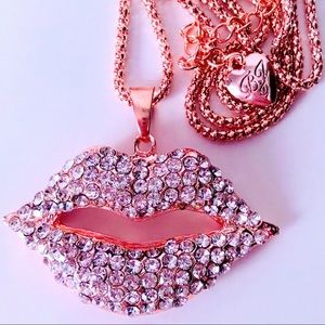 NEW! FUN GOLDEN CRYSTAL LIPS SWEATER NECKLACE